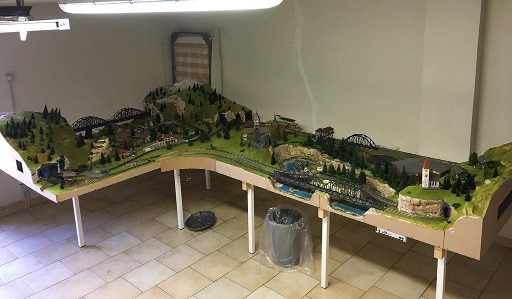 unione di due plastici ferroviari